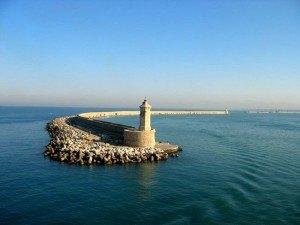 Средневековые крепости и укрепления на скалах