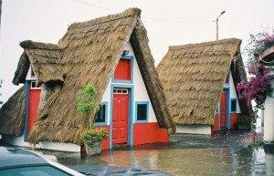 Треугольные дома Сантаны