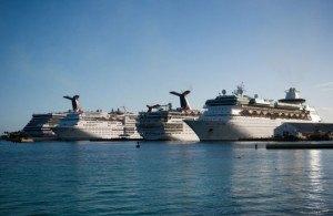 Круизные лайнеры на Багамах