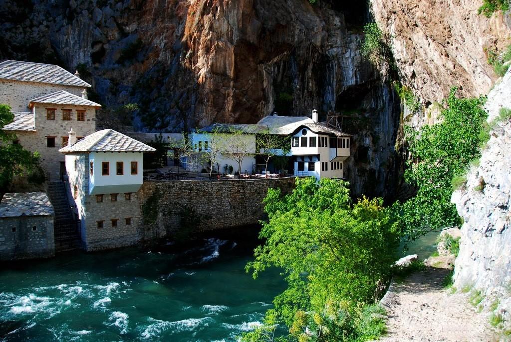 Босния и Герцеговина3