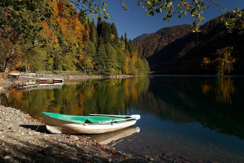 Осень озеро Абхазия
